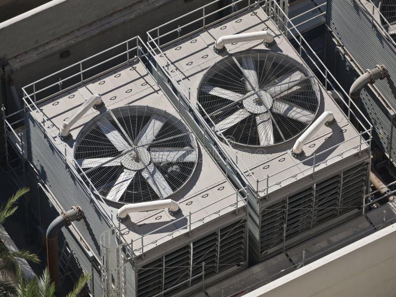 Grandi condizionatori d'aria commerciali fotografie stock libere da diritti