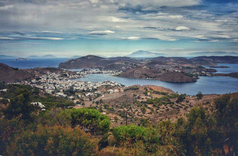 Grandi isole sul mare fotografia stock