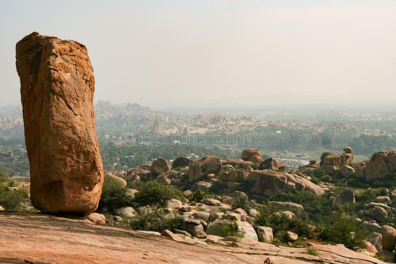 Grandi massi al paesaggio di Hampi India fotografie stock libere da diritti