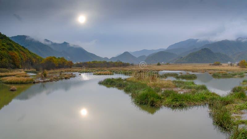 Grandi nove laghi della foresta di Hubei Shennongjia fotografie stock