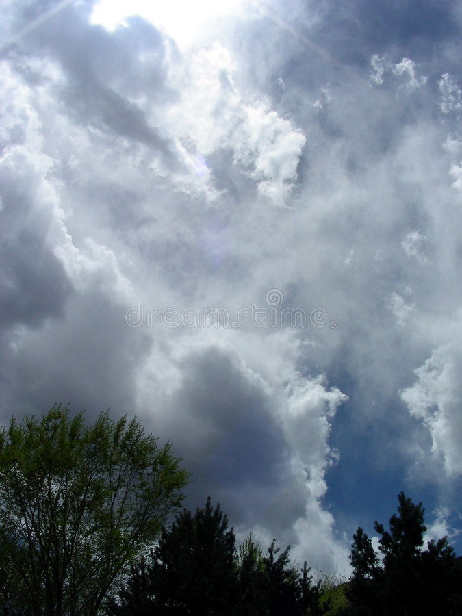 Grandi nubi fotografie stock