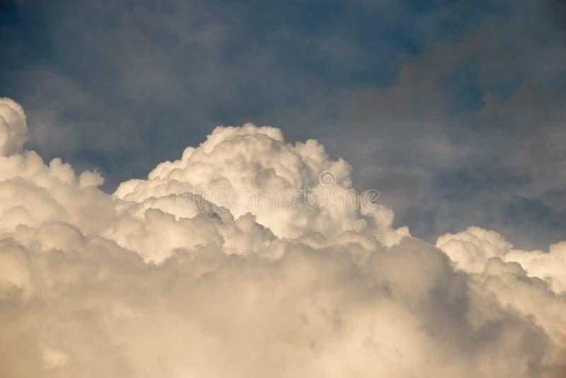 Grandi nubi bianche immagini stock libere da diritti