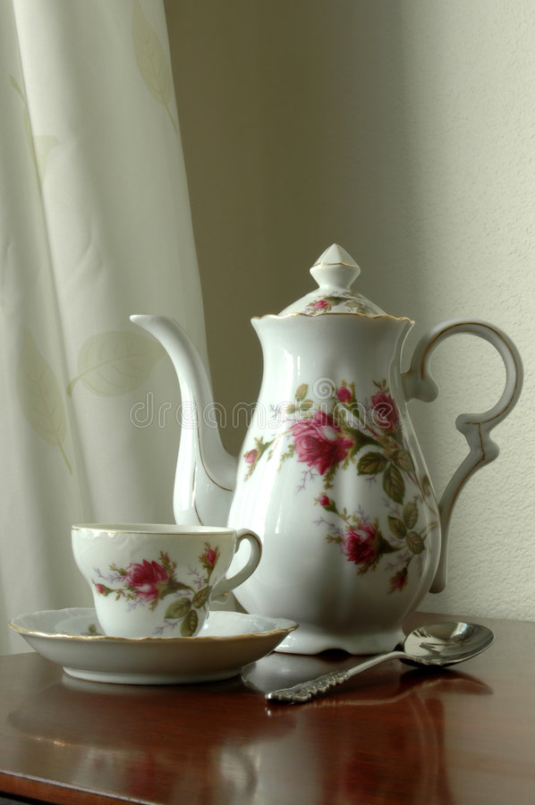 Free Grandma S Tea Set Stock Image - 516561