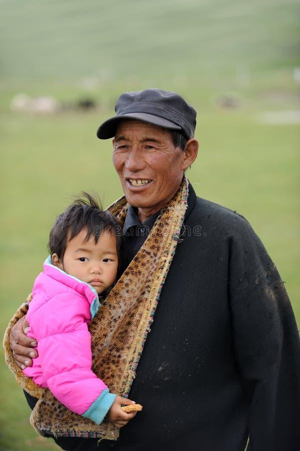 Grandpa e bambino tibetani immagine stock libera da diritti
