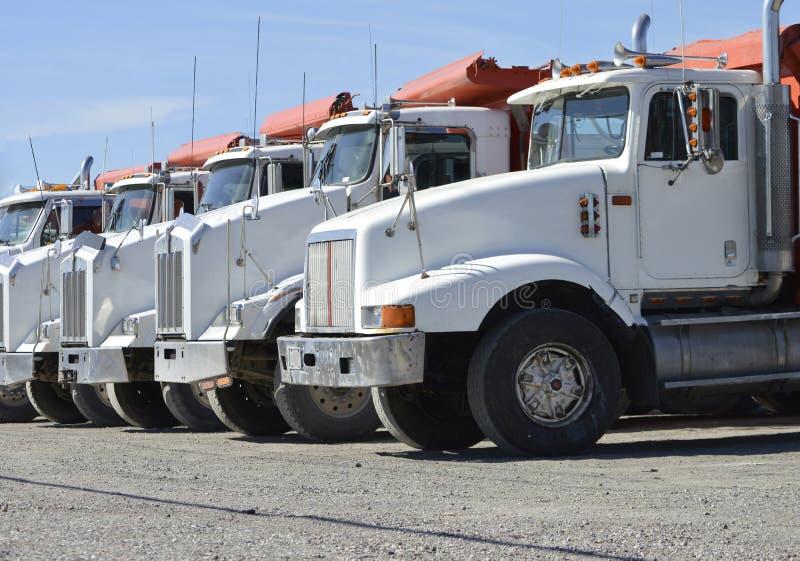Grands camions commerciaux images libres de droits
