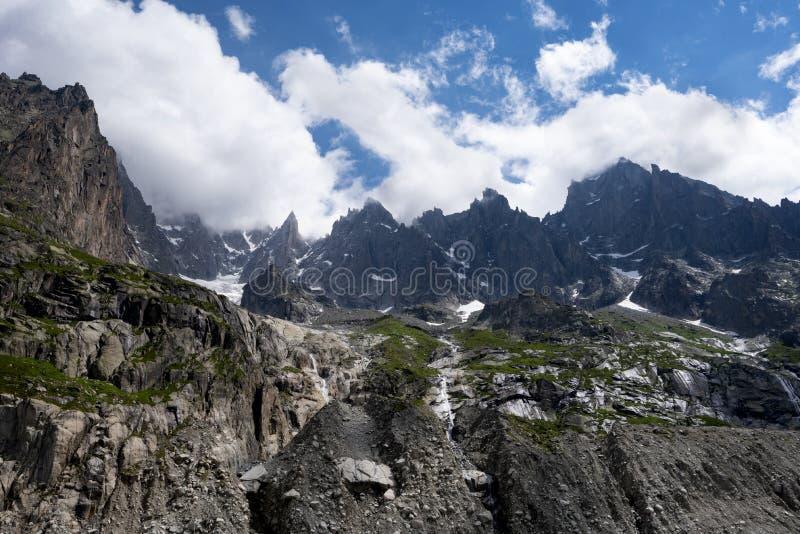 Grands Charmoz 3455m de DES d'Aiguille photo libre de droits
