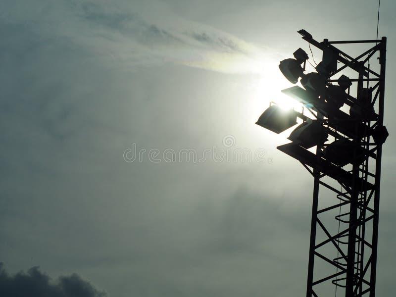 Grands projecteurs extérieurs grands lumineux de stade image libre de droits