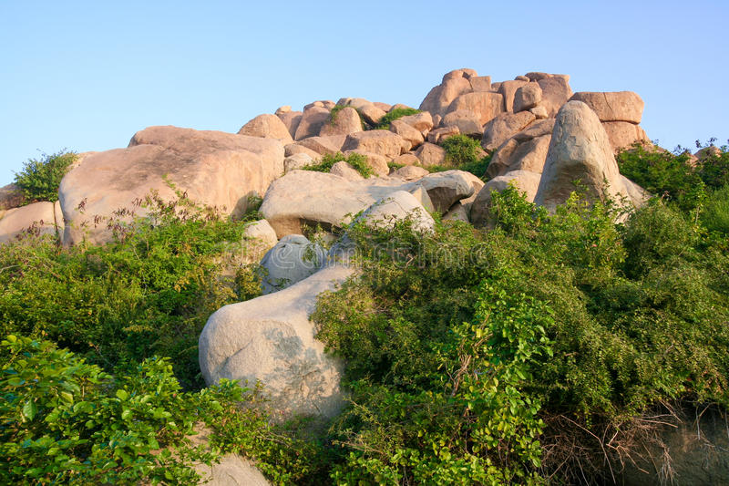 Grands rochers dans le hampi photos libres de droits
