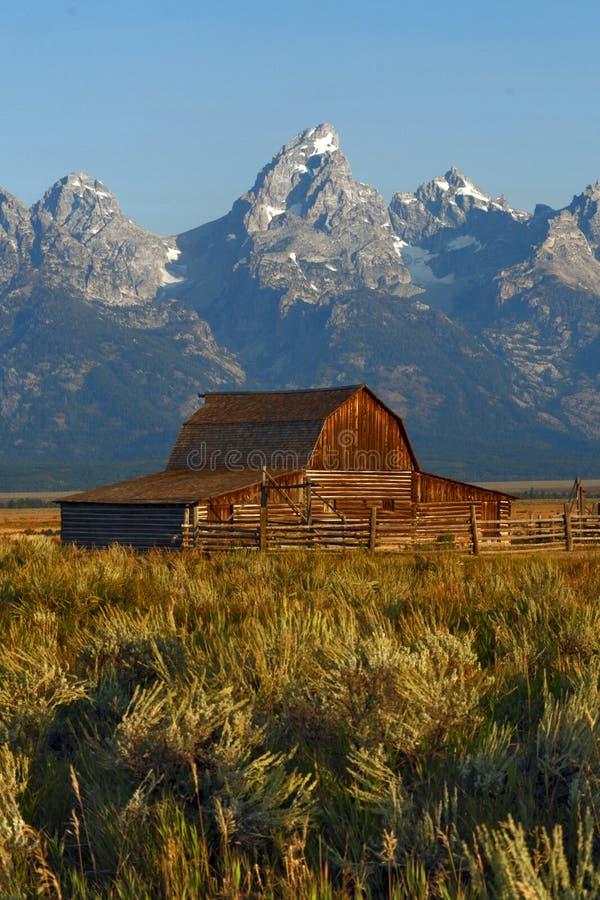 Granero en el parque nacional magnífico de Teton, Wyoming, los E.E.U.U. imagenes de archivo