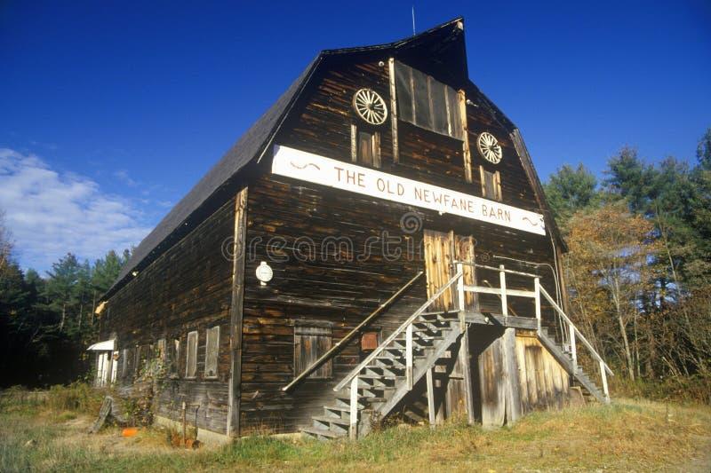 Granero viejo en Newfane, VT foto de archivo