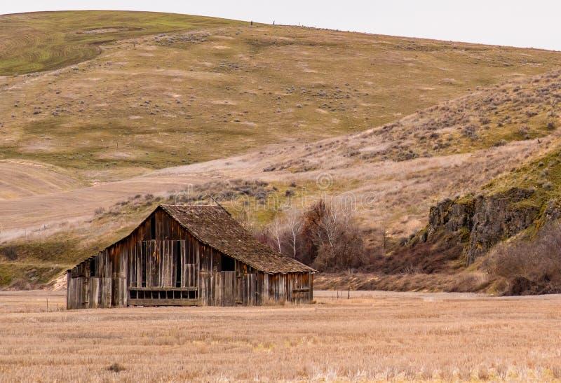 Granero viejo maravillosamente resistido cerca de Dufur, Oregon fotos de archivo