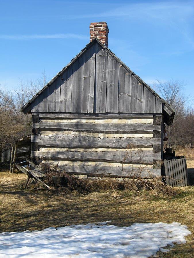 Granero viejo que se coloca en granja foto de archivo libre de regalías