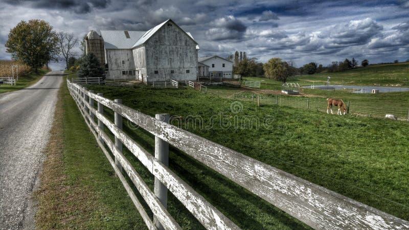 Grange dans Sugarcreek, Ohio images libres de droits