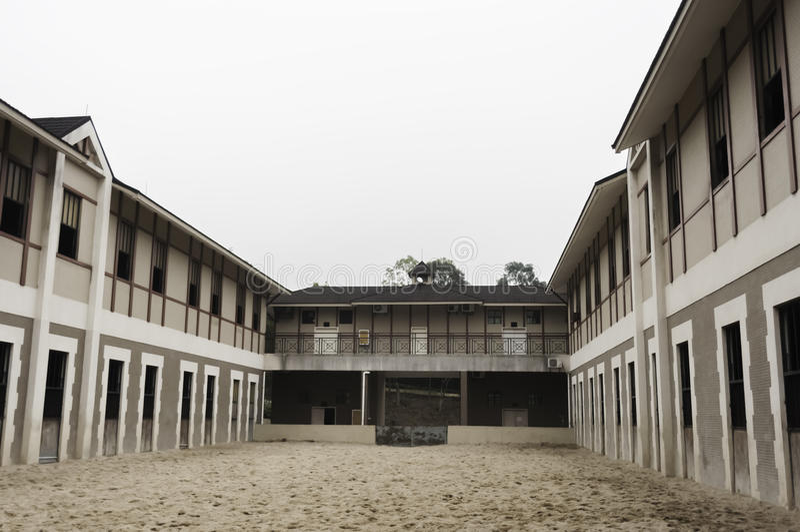 Grange de cheval moderne photographie stock libre de droits