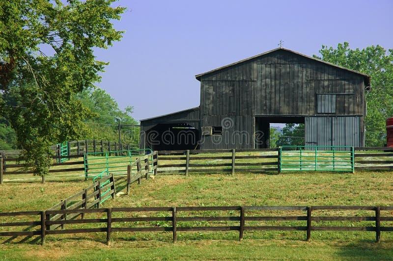 Grange de ranch de cheval photographie stock