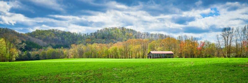 Grange de tabac du Kentucky en premier ressort image stock