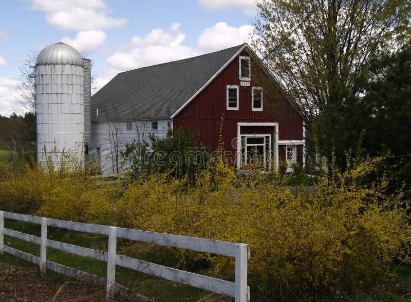 Grange et silo photographie stock libre de droits