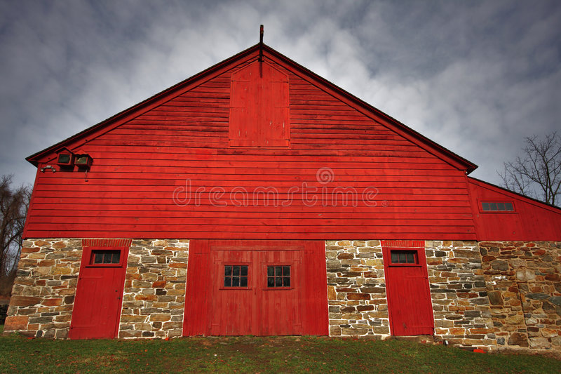 Grange rouge image stock
