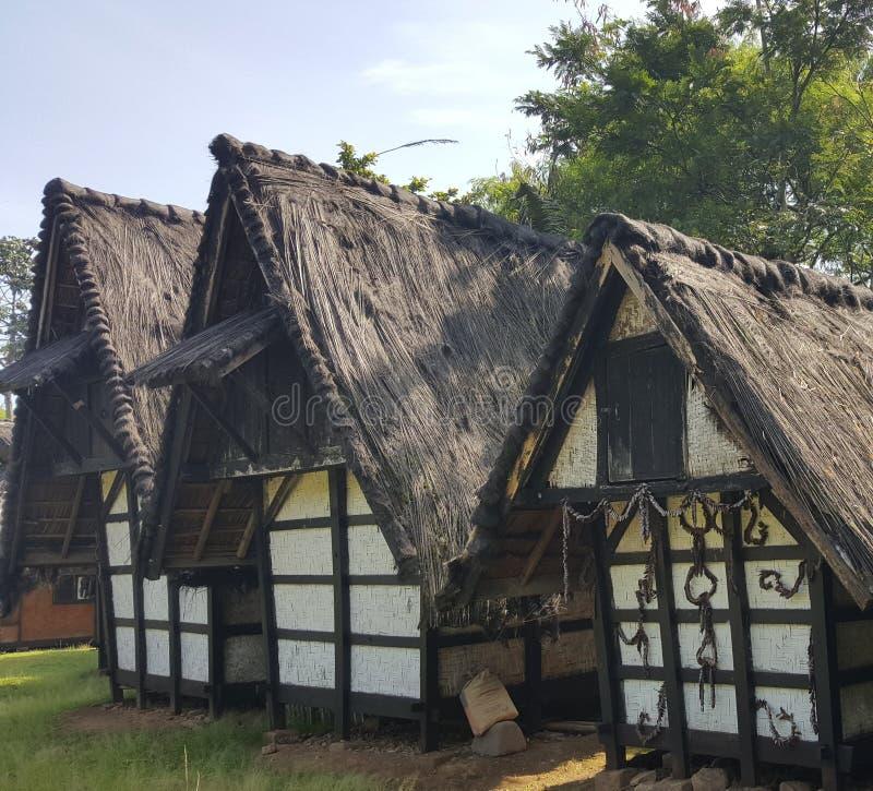Grange traditionnelle de riz photo stock
