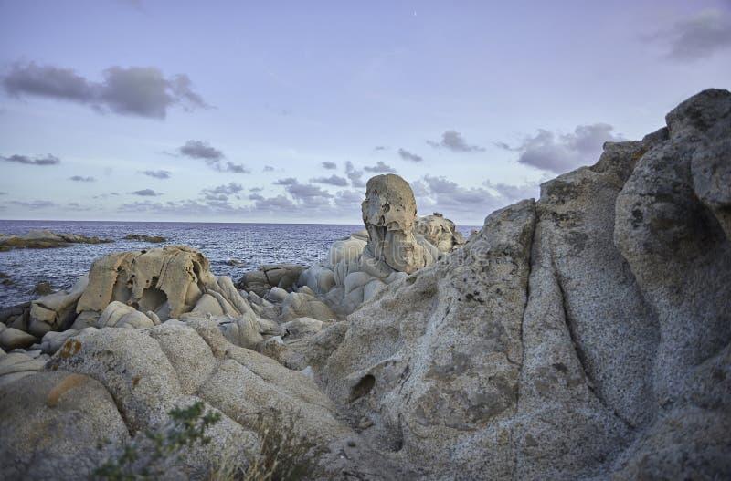 Granietrotsen op de kust royalty-vrije stock foto's