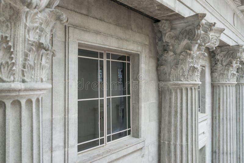 Granitbyggnad royaltyfria bilder