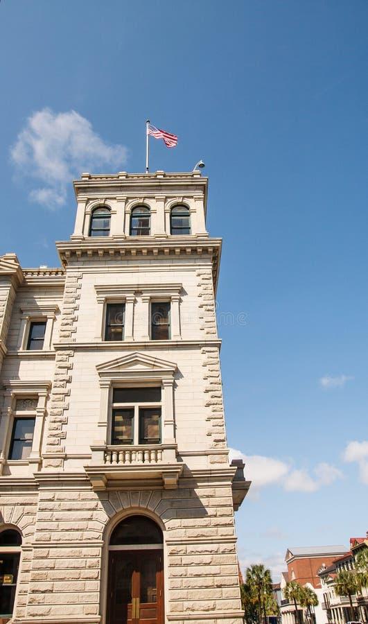 Granitu kamienia wierza z flaga amerykańską zdjęcie stock