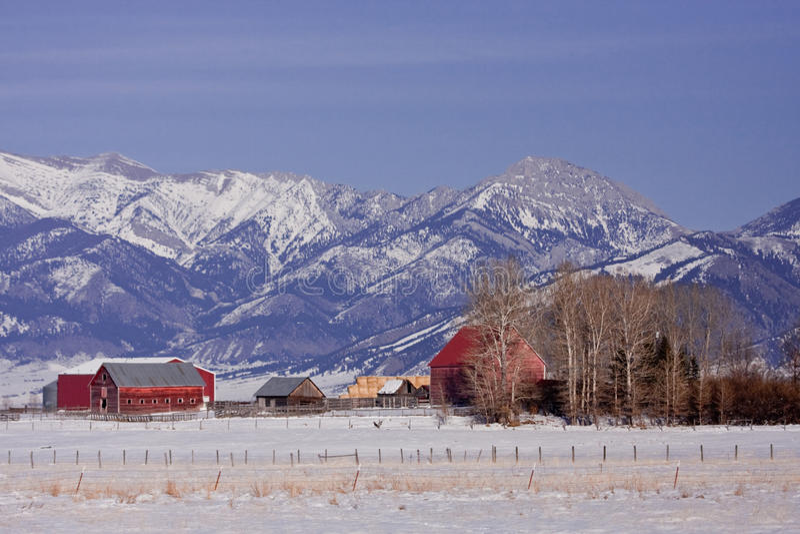 Granja de la montaña foto de archivo libre de regalías