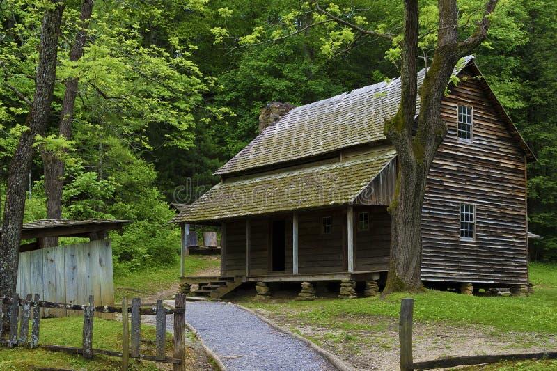 Granja de Templeton en el valle de la ensenada de Cades, monta?as ahumadas Tennessee fotos de archivo libres de regalías