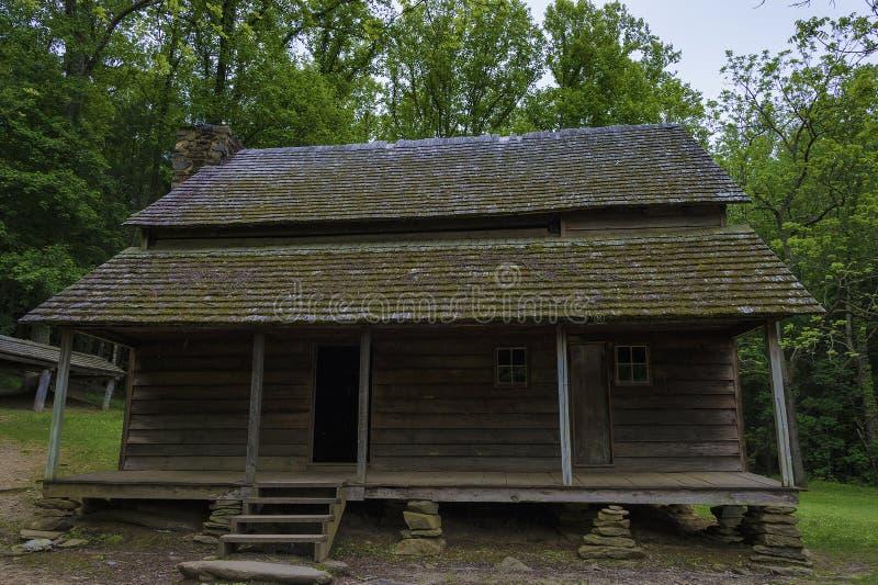Granja de Templeton en el valle de la ensenada de Cades, monta?as ahumadas Tennessee imagen de archivo libre de regalías