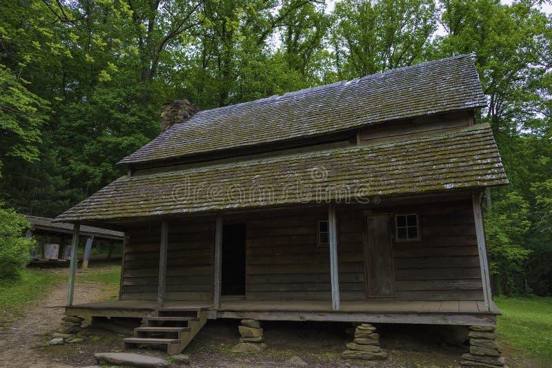 Granja de Templeton en el valle de la ensenada de Cades, monta?as ahumadas Tennessee fotografía de archivo