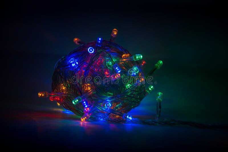 Granja multicolor en un fondo oscuro Navidad imagen de archivo libre de regalías