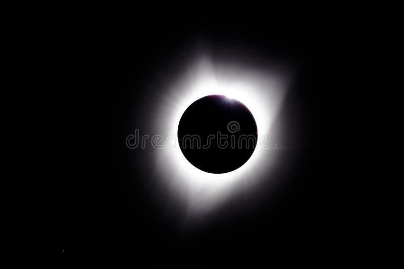 Grano de Baily durante los eclips solares totales fotos de archivo libres de regalías