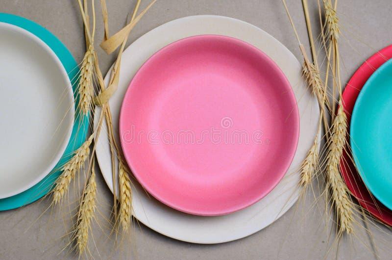 Grano Straw Kitchenware, piatti di riciclaggio amichevoli di Eco fotografie stock
