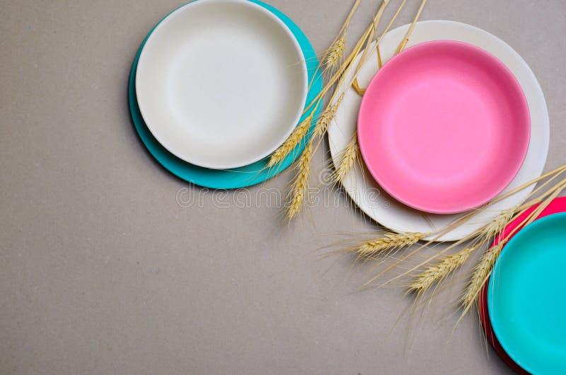 Grano Straw Kitchenware, piatti di riciclaggio amichevoli di Eco fotografia stock libera da diritti