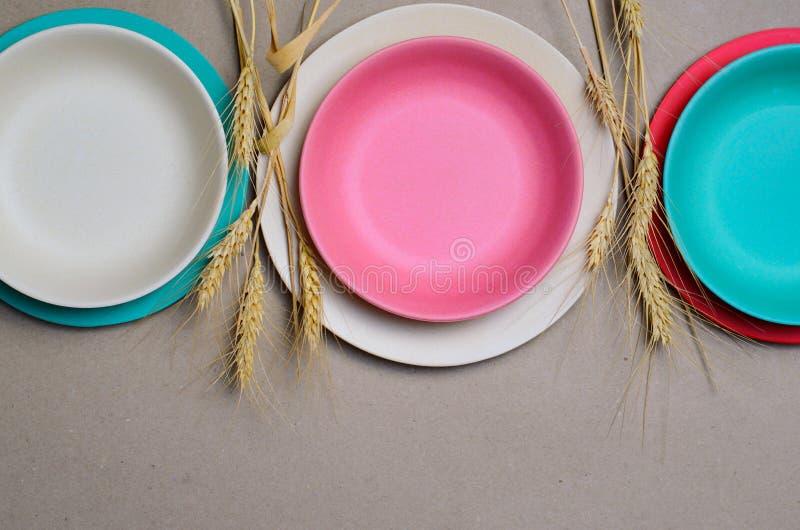 Grano Straw Kitchenware, piatti di riciclaggio amichevoli di Eco fotografie stock libere da diritti