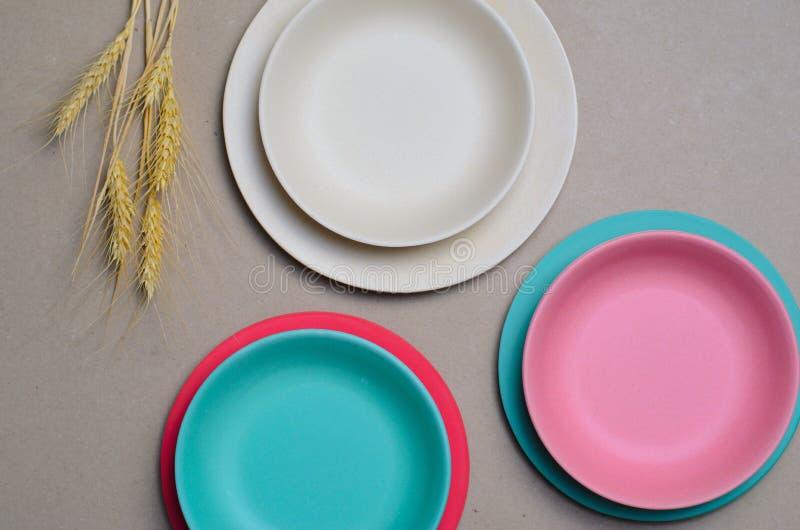 Grano Straw Kitchenware, piatti di riciclaggio amichevoli di Eco immagini stock