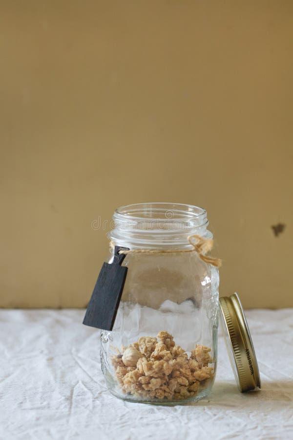 Download Granola in de kruik stock foto. Afbeelding bestaande uit gezondheid - 54076702
