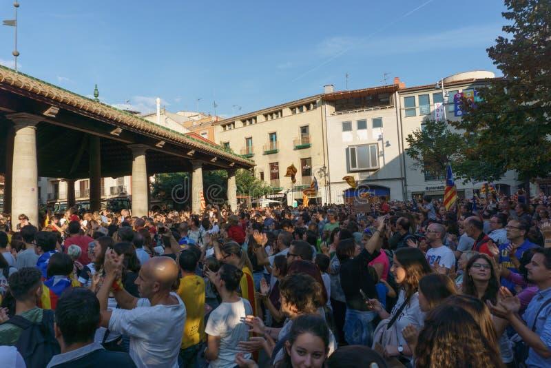 Granollers, Каталония, Испания, 3-ье октября 2017: paceful люди в протесте стоковое фото rf