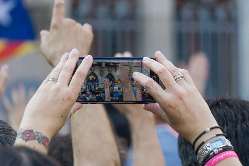 Granollers, Catalonia, Espanha, o 3 de outubro de 2017: povos paceful no protesto imagem de stock royalty free