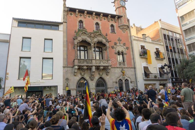 Granollers, Catalonia, Espanha, o 3 de outubro de 2017: povos paceful no protesto fotografia de stock