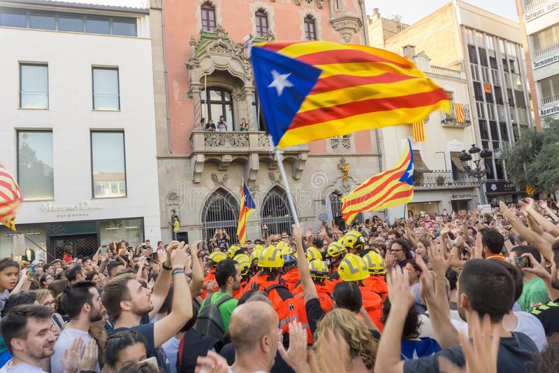 Granollers Catalonia, Spanien, Oktober 3, 2017: paceful folk i protest arkivfoton