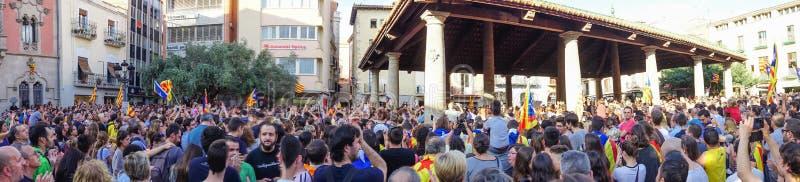 Granollers, Cataluña, España, el 3 de octubre de 2017: gente paceful en protesta imagen de archivo