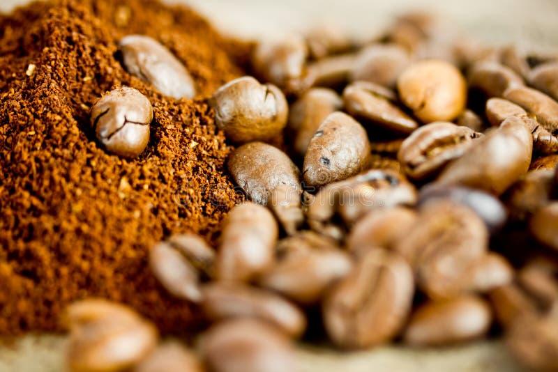 Download Granos de café foto de archivo. Imagen de desayuno, roast - 41908852