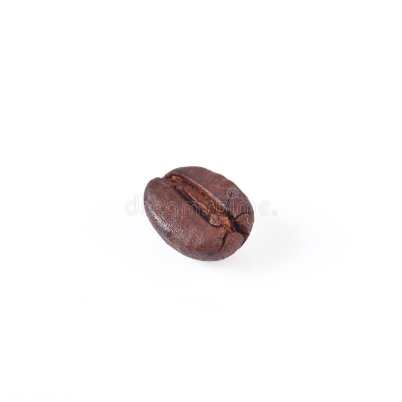 Granos de café aislados en el fondo blanco fotografía de archivo libre de regalías