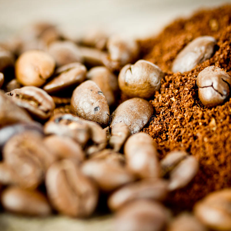 Download Granos de café asados foto de archivo. Imagen de desayuno - 41908884