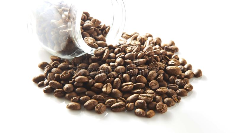 Granos de café en botella fotos de archivo libres de regalías