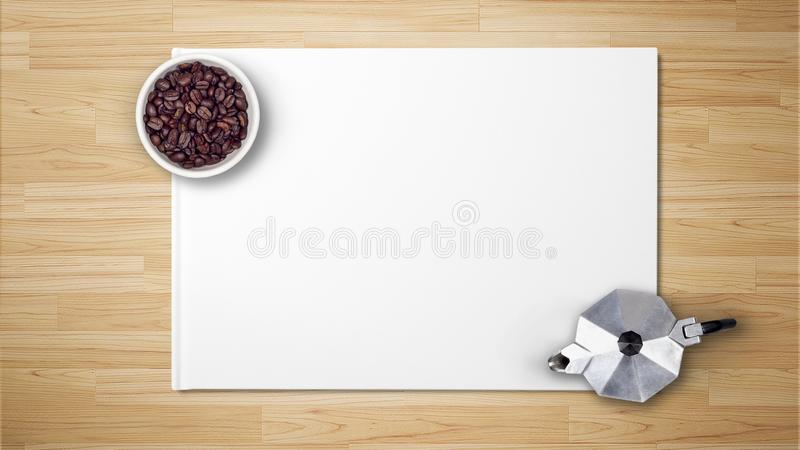 Granos de café en cuenco con el fabricante de café en el Libro Blanco fotos de archivo libres de regalías