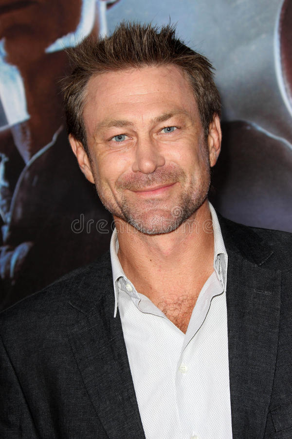 Download Grant Bowler editorial photo. Image of aliens, world - 30570751
