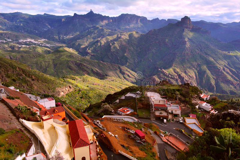 Granu Canaria góry i Artenara wioska obraz royalty free