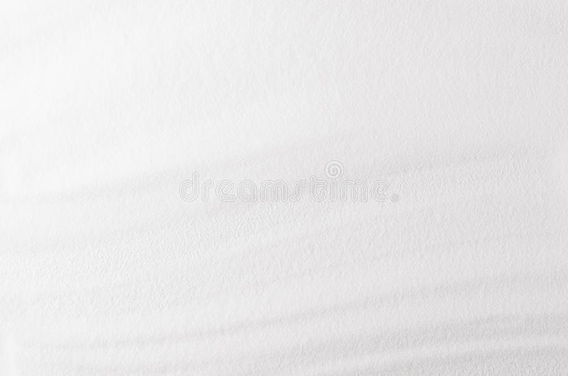 Granulare astratto bianco con il fondo molle delle onde fotografie stock